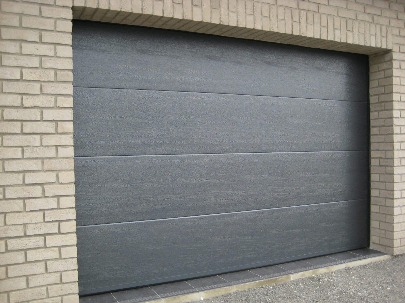 Porte de garage noir - Réalisation Inorbat